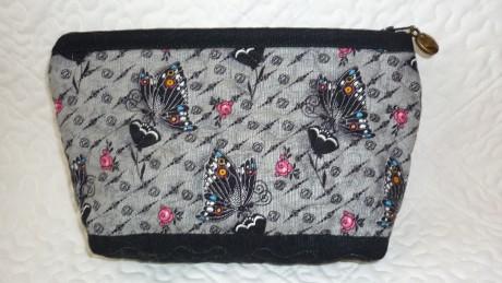 143663065d kozmetická taštička z látky Dance and Romance Butterflies Grey. « »